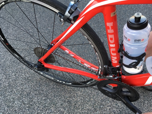I *think* I took this photo in order to show the Ultegra gears. Otherwise it's just a poor photo...
