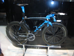 Carbon fibre-framed Team Sky time trial bike